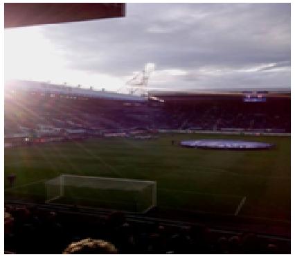 Le stade Abe Lenstra, le soleil et pas de zombies…